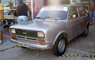 Fiat-147-000001-primeiro-1976-1