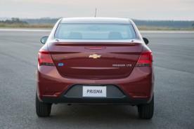 GM-Brazil-2017-Chevrolet-Prisma-015
