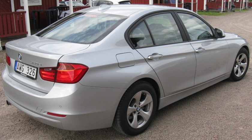 BMW_320d_EDE_F30_(7719208974)_(cropped)