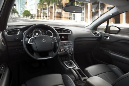 Novo Citroën C4 Lounge 2017_Interior_2_bx