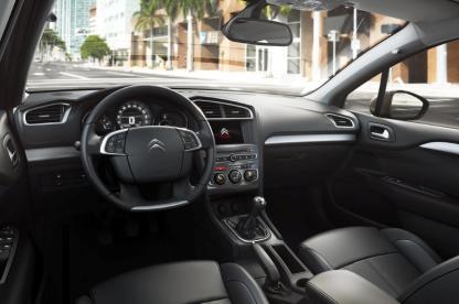 Novo Citroën C4 Lounge 2017_Interior_3_bx