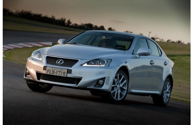 RECALL: Lexus Is300 é chamado por defeito noairbag