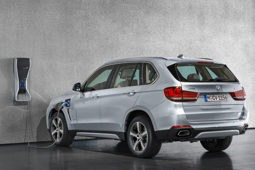 P90175311_highRes_the-new-bmw-x5-xdriv-1024x683