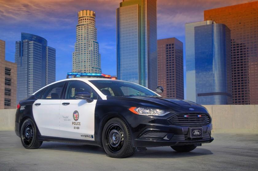 Ford_Hibrido_Policia-1
