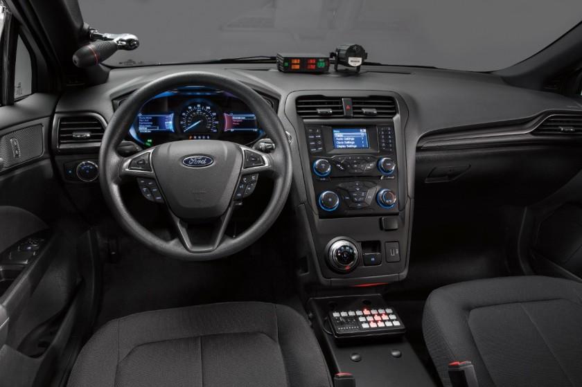 Ford_Hibrido_Policia-5