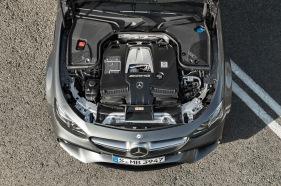 Mercedes-AMG E 63 S 4MATIC+, Motoraufnahme;Kraftstoffverbrauch kombiniert: 9,1 – 8,8l/100 km; CO2-Emissionen kombiniert: 207 - 199 g/km Mercedes-AMG E 63 S 4MATIC+, engine shot;Fuel consumption combined: 9,1 – 8,8 l/100 km; Combined CO2 emissions: 207 - 199 g/km