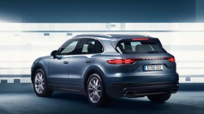 2018-porsche-cayenne-leaked-official-image-4