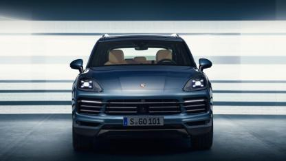 2018-porsche-cayenne-leaked-official-image