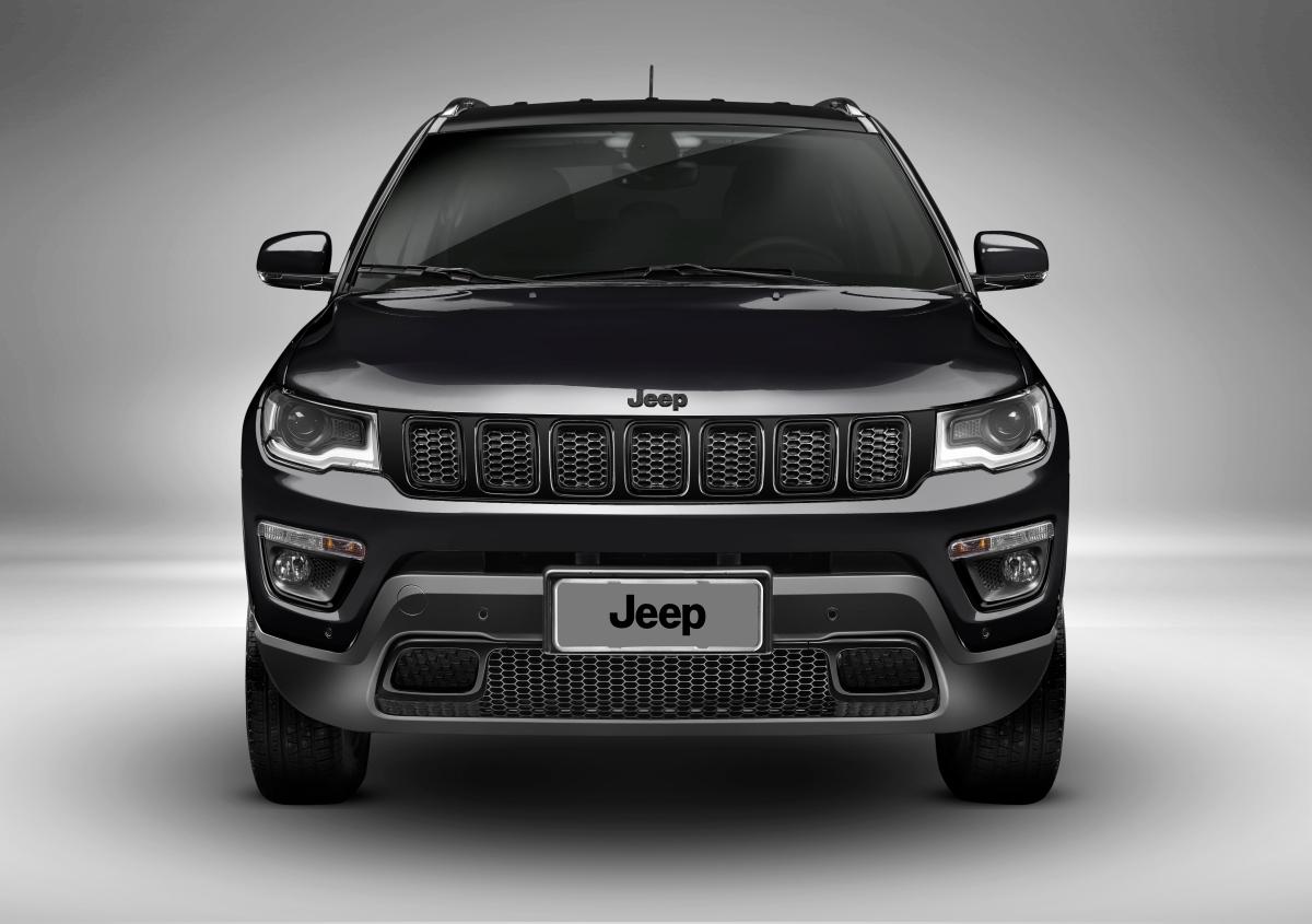 Jeep Compass ganha versão NightEagle