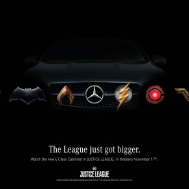 """Die globale Marketing-Kampagne von Mercedes-Benz zum Film JUSTICE LEAGUE startet am 6. Oktober 2017 mit einem TV-Spot. Der Spot zeigt, warum Mercedes-Benz Fahrzeuge – sogar für Superhelden – """"unwiderstehlich"""" sind. Das Kampagnenmotiv """"Symbols"""" zeigt eine noch stärkere Verbindung zwischen den Superhelden und Mercedes-Benz und präsentiert dabei den Mercedes-Stern überraschend anders. Copyright: Clay Enos/Warner Bros. Pictures; JUSTICE LEAGUE and all related characters and elements TM & © DC and Warner Bros. Entertainment Inc. The Mercedes-Benz JUSTICE LEAGUE co-promotional campaign kicks off on October 6th with the TV Commercial featuring all main vehicles appearing in the film. The TVC will show why Mercedes-Benz vehicles are """"Hard to resist"""" – even if you're actually a superhero. And there is another, quite different campaign motif, named """"Symbols,"""" showing an even stronger connection between these Super Heroes and Mercedes-Benz, with a surprising take on the brand's star. Copyright: Clay Enos/Warner Bros. Pictures; JUSTICE LEAGUE and all related characters and elements TM & © DC and Warner Bros. Entertainment Inc."""