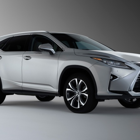 2018-Lexus-RX-350L-front-side-view