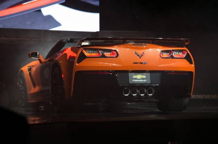 2019-Chevrolet-Corvette-ZR1-convertible-rear-view-on-stage