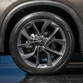 2019-Infiniti-QX50-wheel