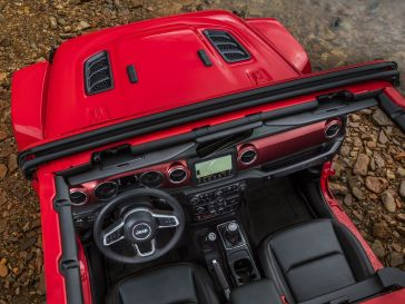 636474978173260130-2018-Jeep-Wrangler-21