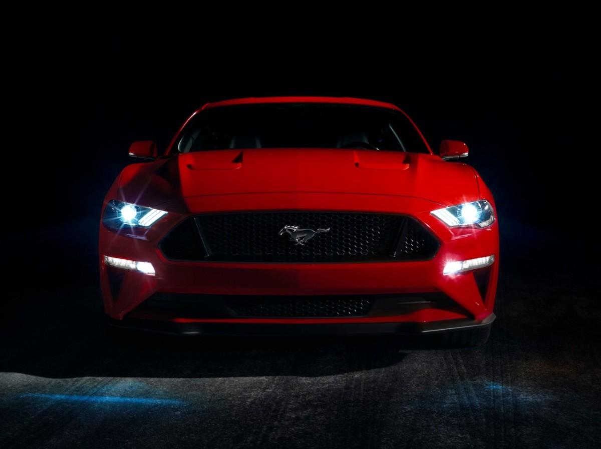 Ford Mustang GT Premium V8 começará a ser vendido no Brasil dia11/12