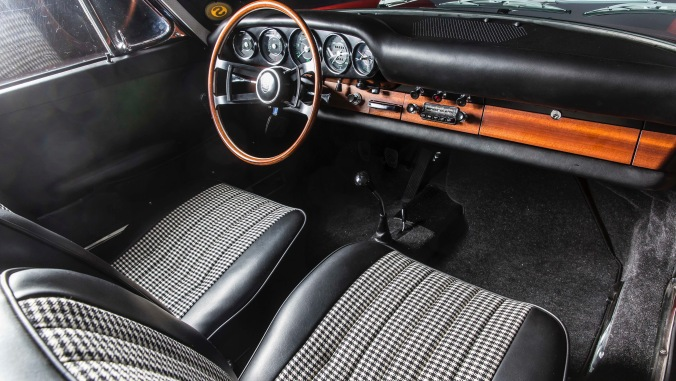 4343624_911_interior_barn_find_2017_porsche_ag