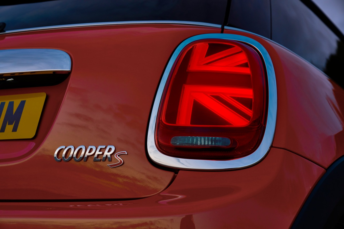 Detroit Auto Show: Nova geração do Mini surge renovado e chega ao Brasil esteano