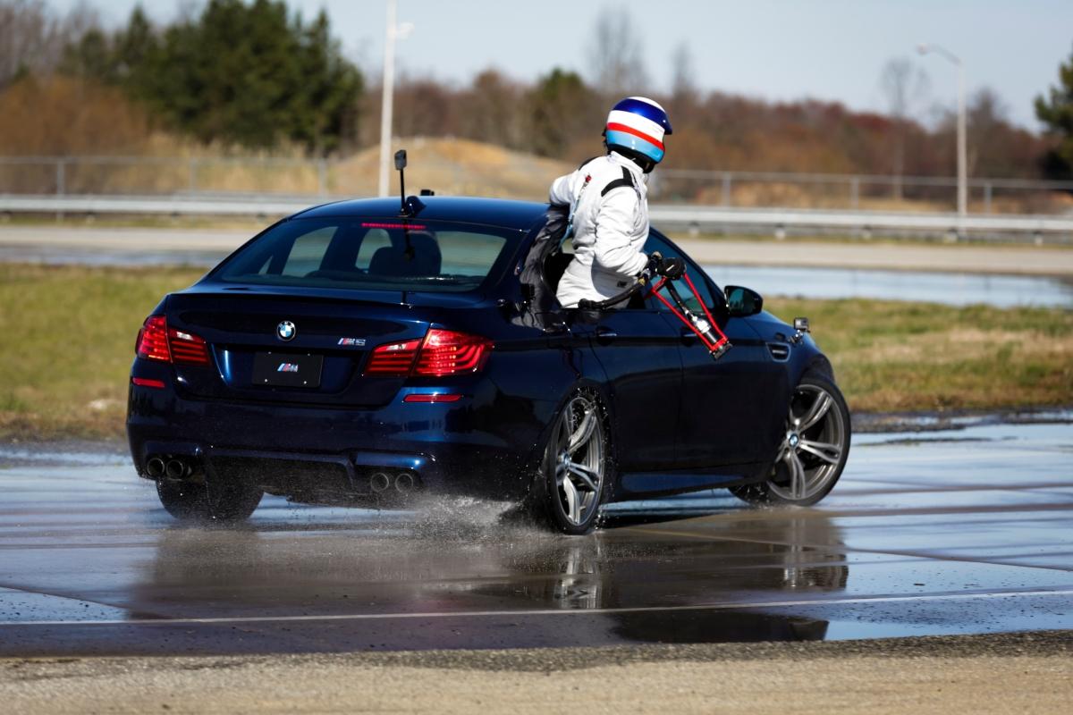 Novo BMW M5 bate dois recordes mundiais dedrifting