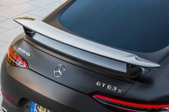 Mercedes-AMG GT 63 S 4MATIC+ 4-Türer Coupé, AMG Carbon-Paket, Exterieur: Heckspoiler, Außenfarbe: Graphitgrau magno;Kraftstoffverbrauch kombiniert: 11,2 l/100 km; CO2-Emissionen kombiniert: 256 g/km* (vorläufige Daten) Mercedes-AMG GT 63 S 4MATIC+ 4-Door Coupé, AMG Carbon-packet,Exterior: Rear Spoiler, Exterior paint: graphite grey magno, colour variation black;Fuel consumption combined: 11,2 l/100 km; CO2 emissions combined: 256 g/km* (provisional data)