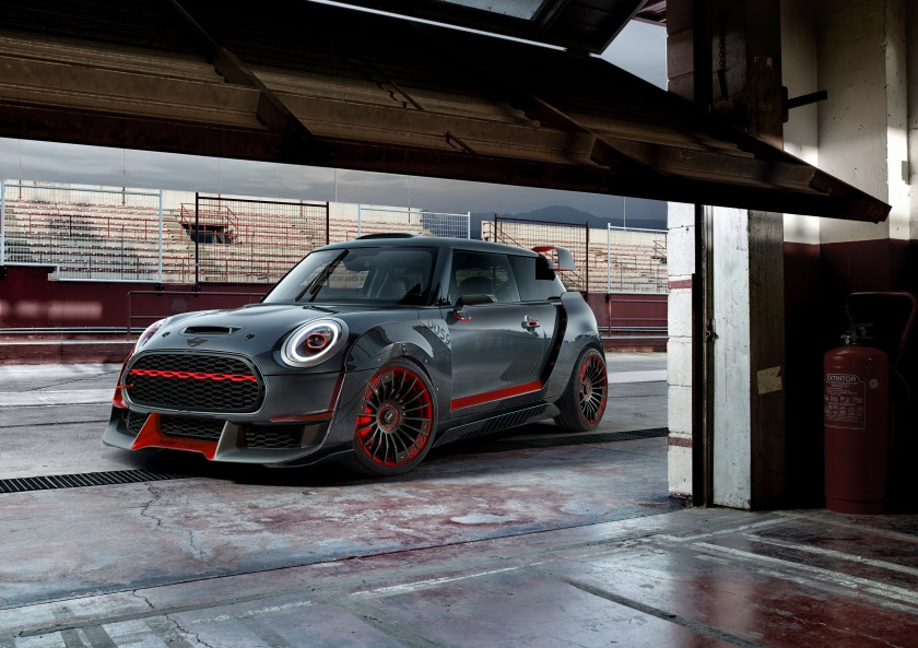 P90275465_highRes_mini-john-cooper-wor
