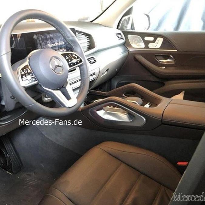 2019-Mercedes-Benz-GLE-Interior-Leak-0007